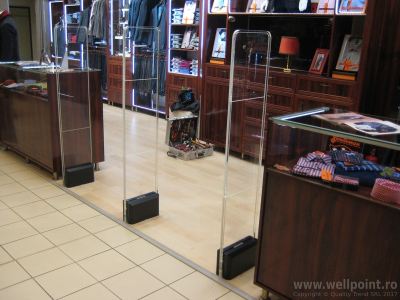 a51013-antifurt-magazin-imbracaminte-mall-brasov_IMG_4767