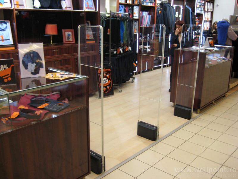 a51013-antifurt-magazin-imbracaminte-mall-brasov_IMG_4769