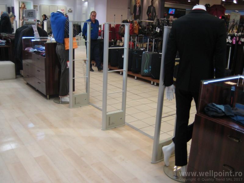 a51013-antifurt-magazin-imbracaminte-mall-brasov_IMG_4790