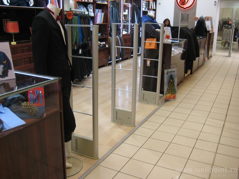 a51013-antifurt-magazin-imbracaminte-mall-brasov_IMG_4792