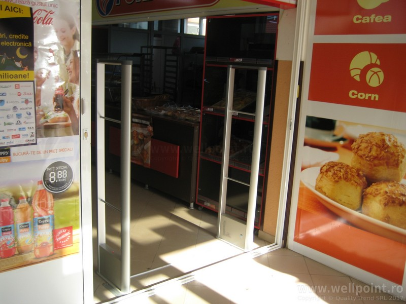 a60212-porti-antifurt-supermarket-bacau_IMG_4837